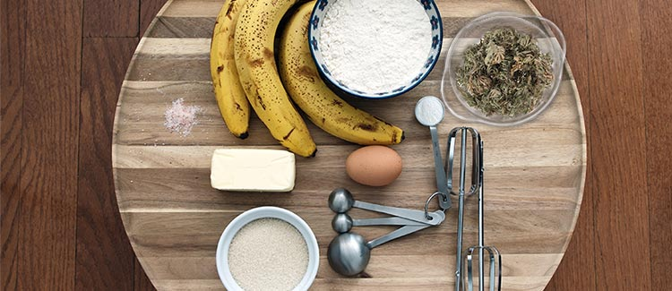 Cannabis-infused banana bread method 1