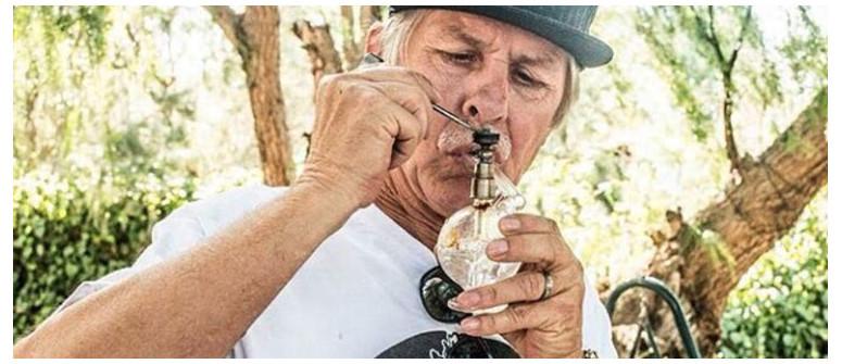 Elderly Who Dab: Seniors taking over Instagram